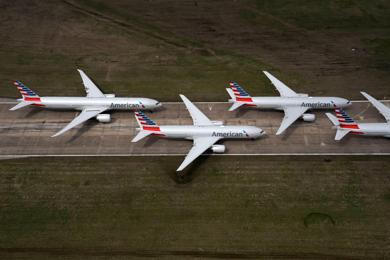 Các hãng hàng không Hoa Kỳ bắt đầu nộp đơn xin tài trợ và