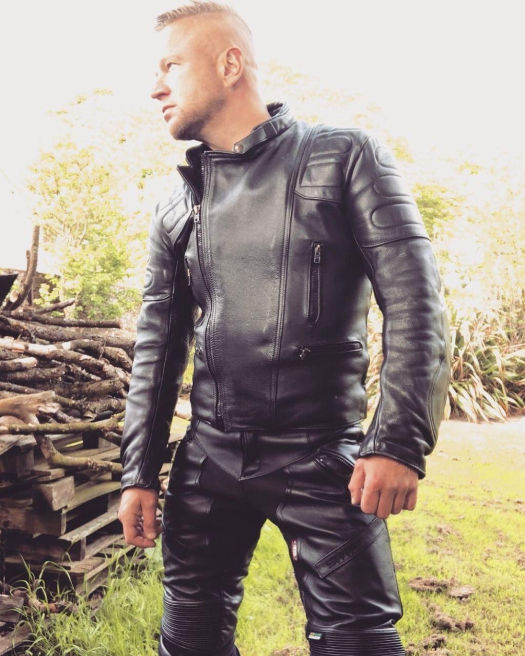 15f11e9d1 3) Tumblr   LeatherMen LeatherGear   Motorbike leathers, Bike ...