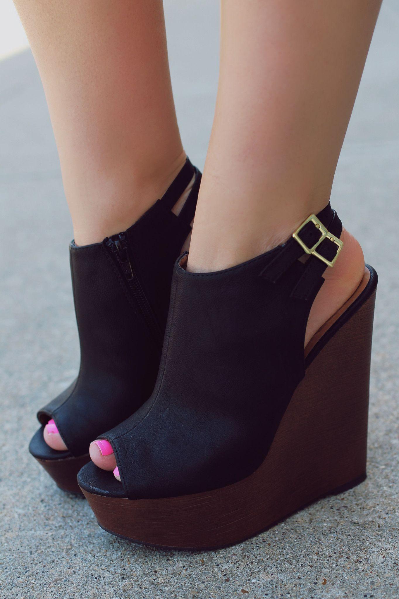 dress - How to peep wear toe wedge booties video