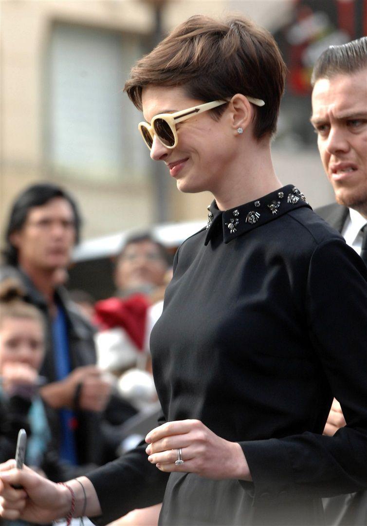 Anne Hathaway Cabelo Curto Cabelo E Maquiagem Ideias De Cabelo