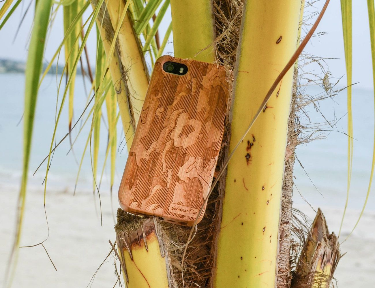 Give your smartphones a naturally inclined makeover in the form of this Camo Print Wooden Phone Case by Johnny Fly.