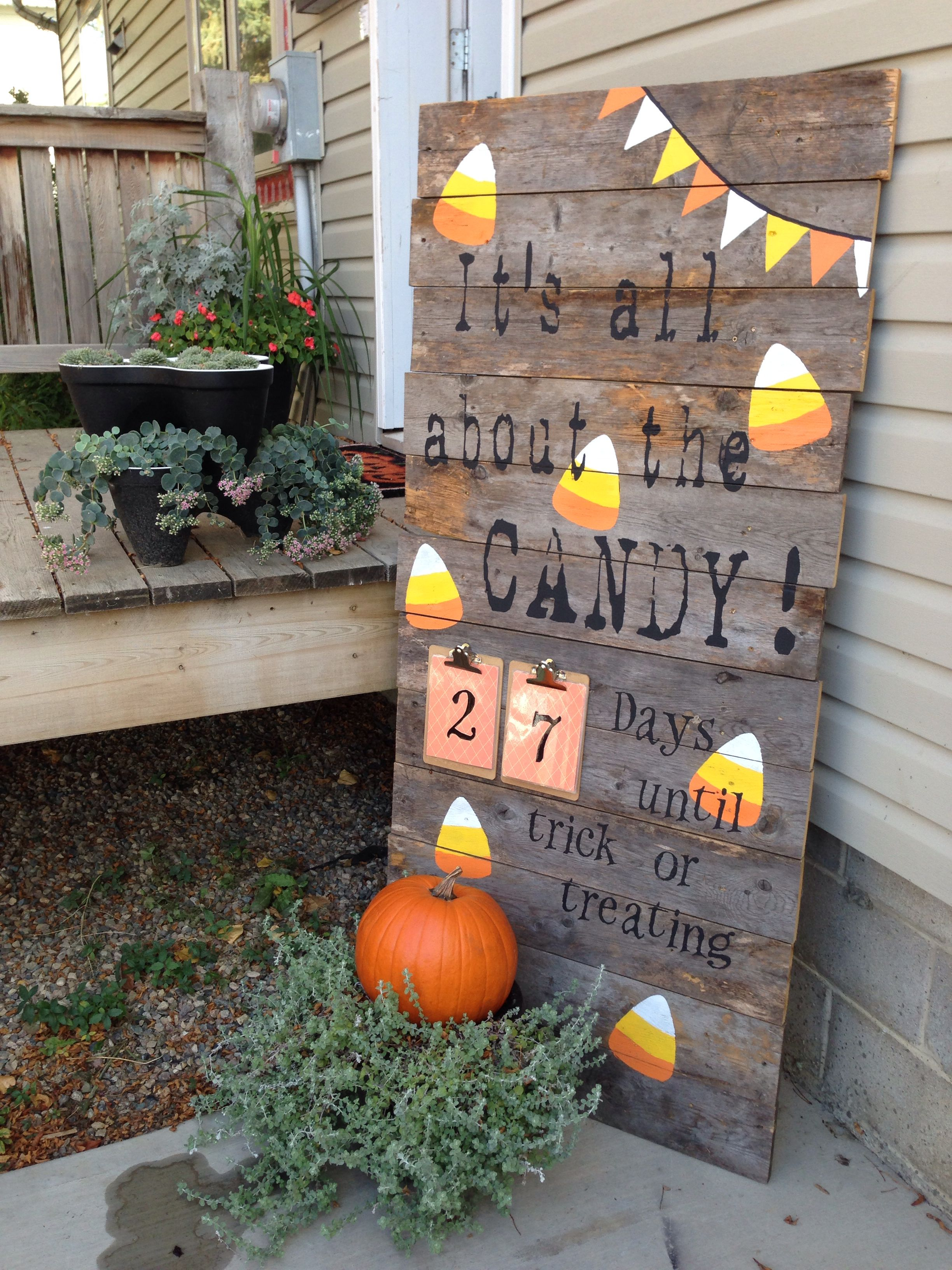 Countdown To Halloween Sign Aged Deck Boards Outdoor Craft Paint And Halloween Outdoor Decorations Fall Outdoor Decor Pallet Halloween Decorations