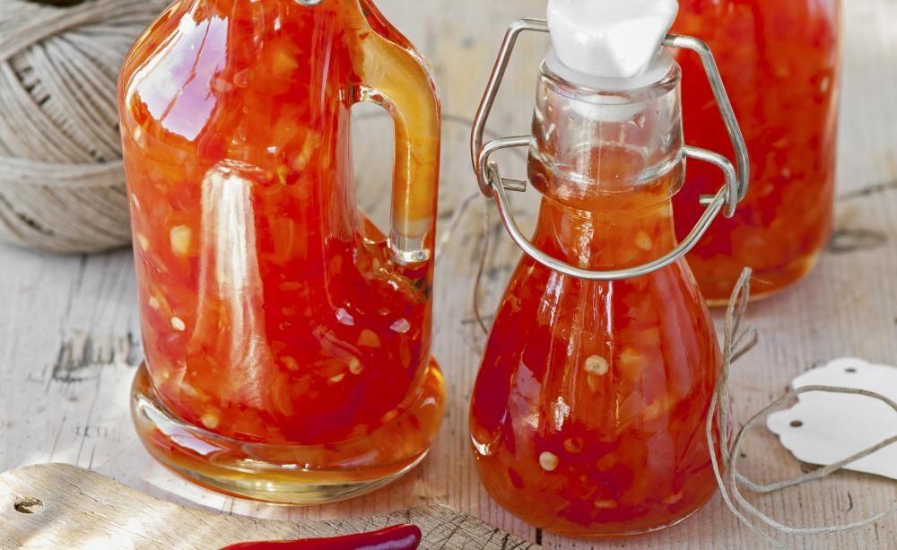 s scharfe chiliso e rezepte mit herz pinterest chili saucen und tomaten sauce. Black Bedroom Furniture Sets. Home Design Ideas