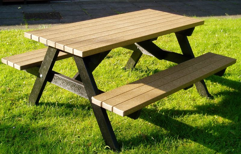 Sketch Of Cool Picnic Table: The Use And Varieties