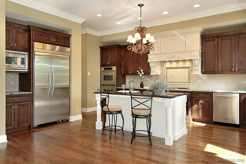 Traditional Twotone Kitchen Cabinets Kitchendesignideas Extraordinary Designs Of Kitchen Cabinets 2018