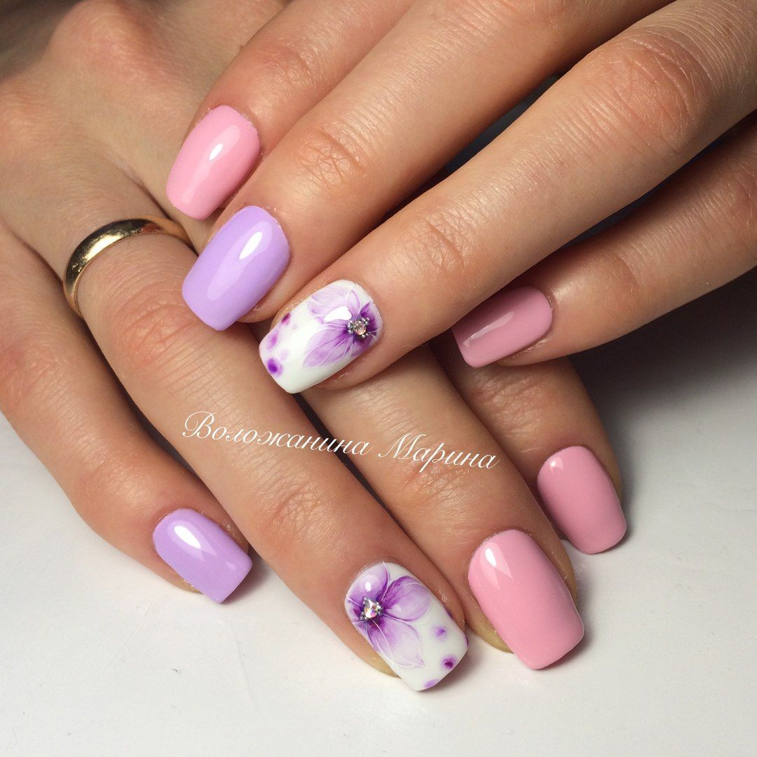 Delicate spring nails, Gentle summer nails, Manicure by summer dress ...