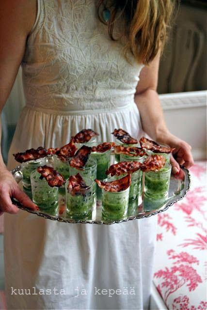 Kuulasta ja kepeää, Cold rhubarb-cucumber soup with bacon.