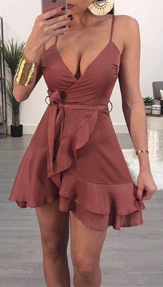 Finde das perfekte Kleid für jeden Anlass. Egal ob Kleider Sommer, Kleider Rock oder Kleider für den festlichen Anlass. #dresses #rock #wedding #shortsundress