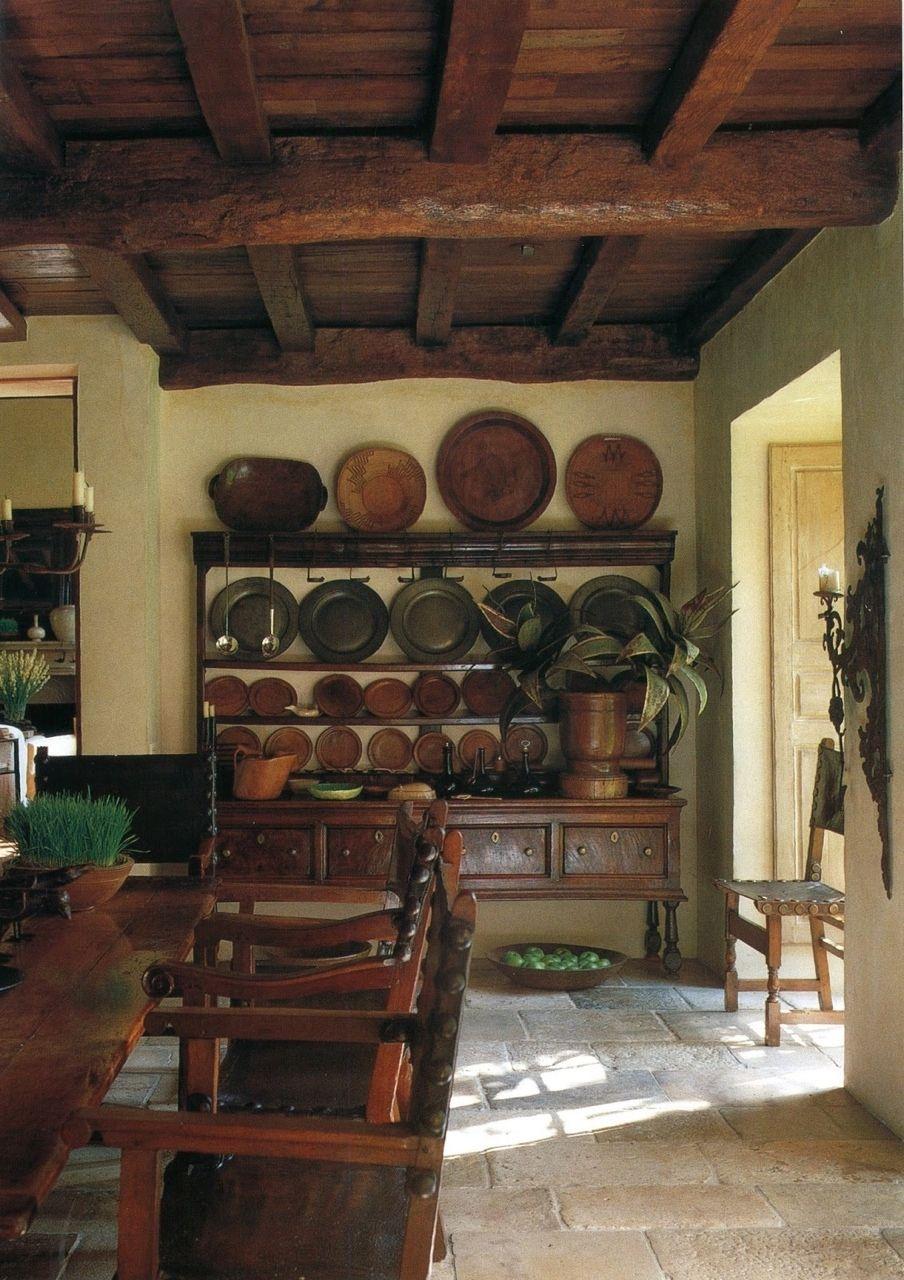 .Platos de barro on display would be nice | Hacienda decor ...