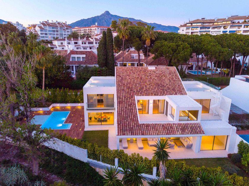 Marbella Villa In Marbella Spain Luxury Real Estate For Sale Id 10497124 Marbella Villas Marbella Hotel Marbella