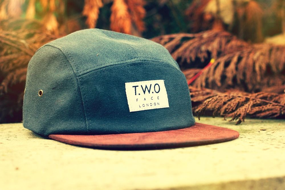 The Worlds Original Face TWO Face London2nd Edition 5 panel cap hatBark Grey Wax Twill, Rosy Brown Peak