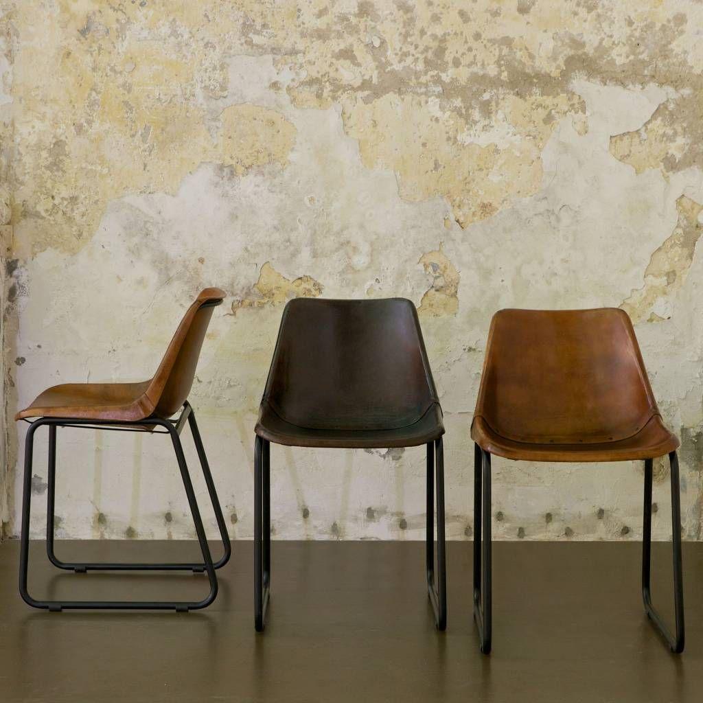 Deze stoere eetkamerstoel rough is gemaakt van donkerbruin for Bruine leren stoel