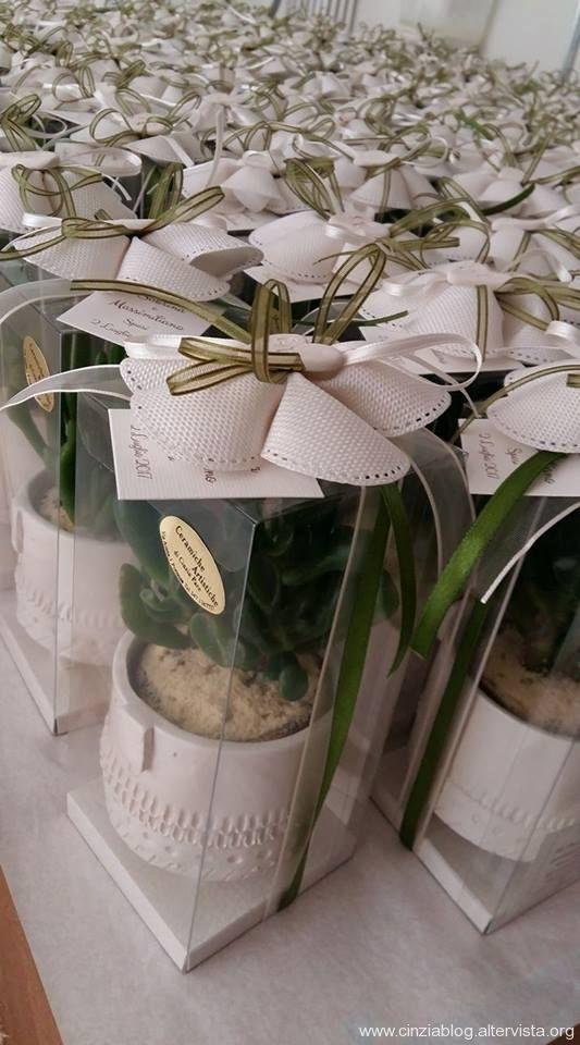 Piantine Bomboniere Matrimonio.Portavasi Con Piantina Wedding Favors Burlap Flowers Wedding Goals