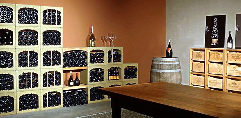 Casier Pour Bouteille De Vin Etagere Bois Pour Cave A Vin Et Rangement Pour Caisses A Vin Amenagement Ca Amenagement Cave A Vin Cave A Vin Casier A Bouteille