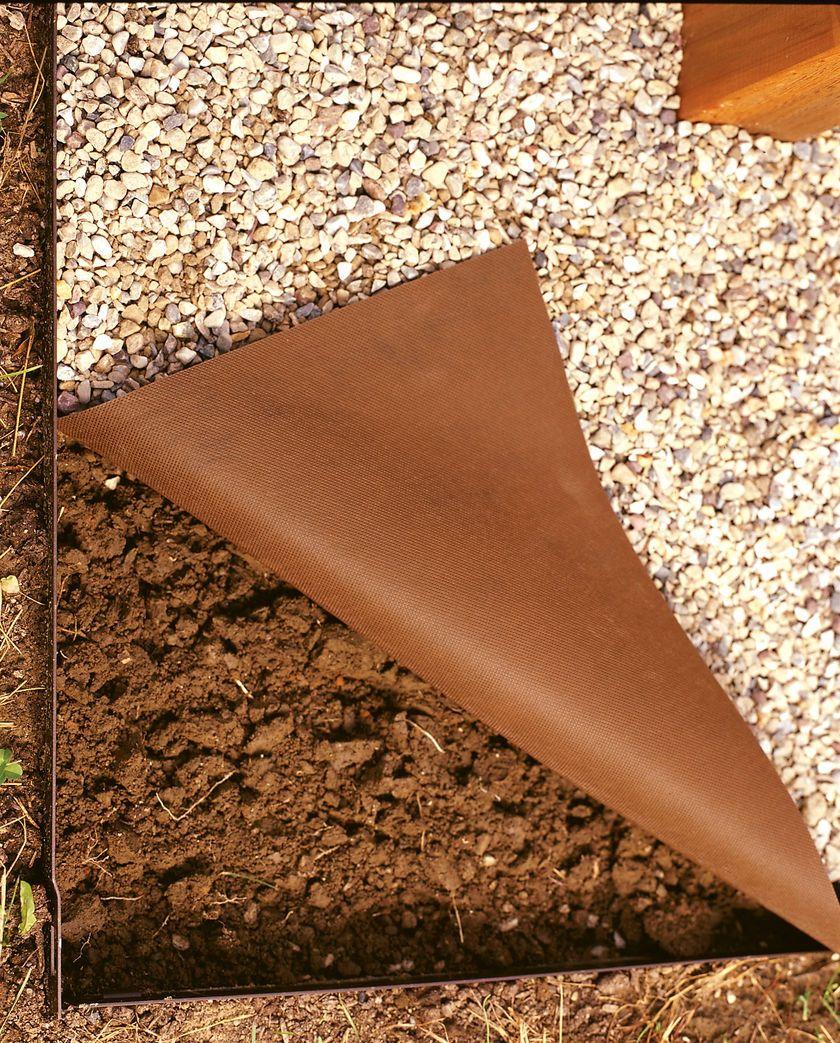 roc kloth landscape fabric for crushed stone gardener 39 s supply landscaping mediterraner. Black Bedroom Furniture Sets. Home Design Ideas