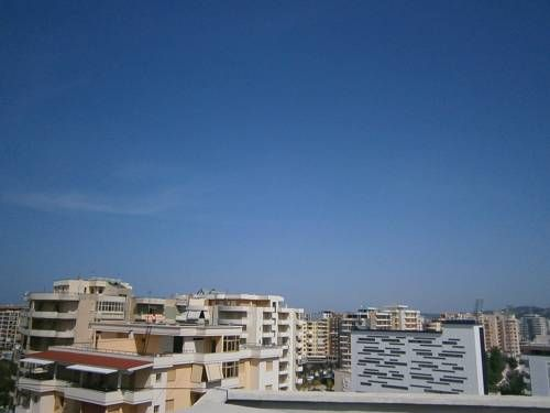 Genti Seaview Penthouse Vlore Genti Seaview Penthouse offers accommodation in Vlorë. The property boasts views of the sea and is 1.8 km from Kuzum Baba. Free WiFi is available throughout the property.  A flat-screen TV is provided.