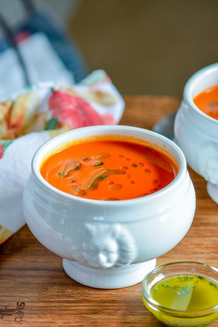 Rustic Italian Tomato and Bread Soup - This Tomato Bread Soup is so creamy, and luscious yet has not even a drop of cream or butter in it!! Oh, yeah! Sharing today, an old fashioned household classic way of eating Tomato Soup thickened with plain old white bread!!  | chefdehome.com