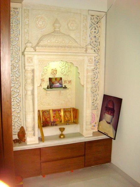 Puja room in modern indian apartments hindus altares diseno mandir decoracion de interior also        altar rh ar pinterest