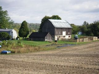 Best This Quaker Barn Is The Look I Love Love The Brown Grey 640 x 480