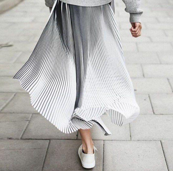 comment porter la jupe longue pliss e 80 id es meilleures id es femmes modernes jupe. Black Bedroom Furniture Sets. Home Design Ideas