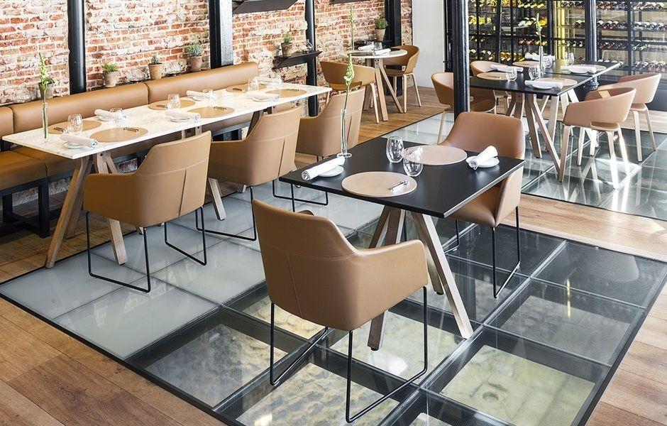 Alya And Ronda Armchair From Andreu World Cafe Restaurant Bars - Table and chair design for restaurant