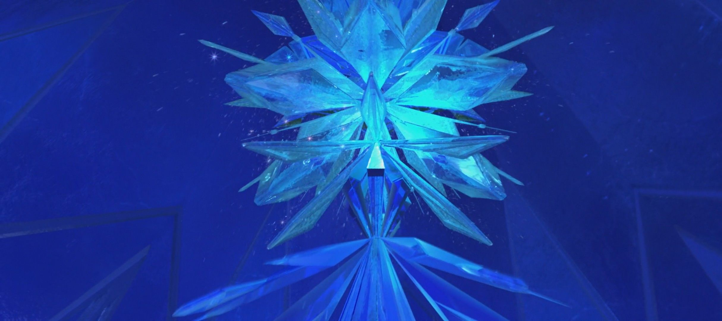 Elsa anna olaf kristoff hans frozen disney frozen fanart the first time my brother and i watched frozen this scene me no me she cant build a chandelier me because chandeliers always arubaitofo Choice Image