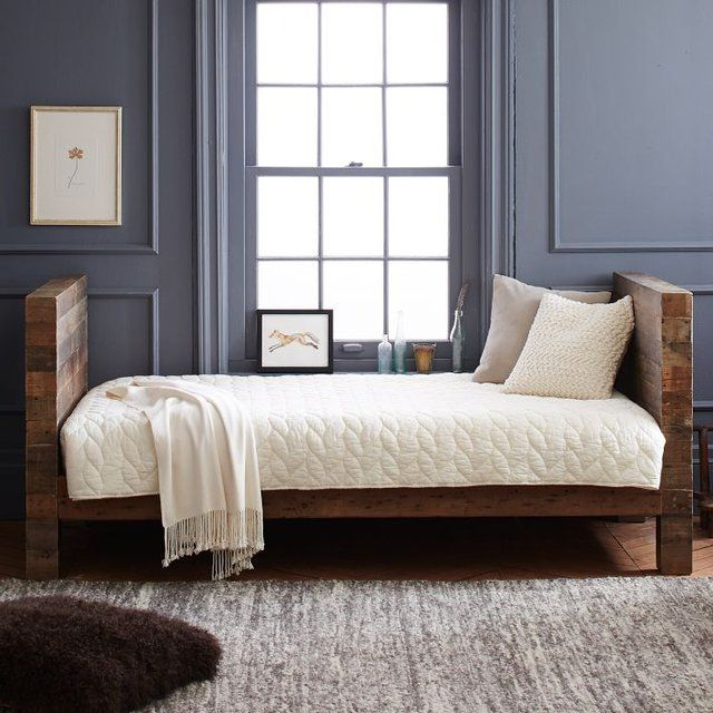 Emmerson Daybed Daybed, Shipping pallets and Mattress