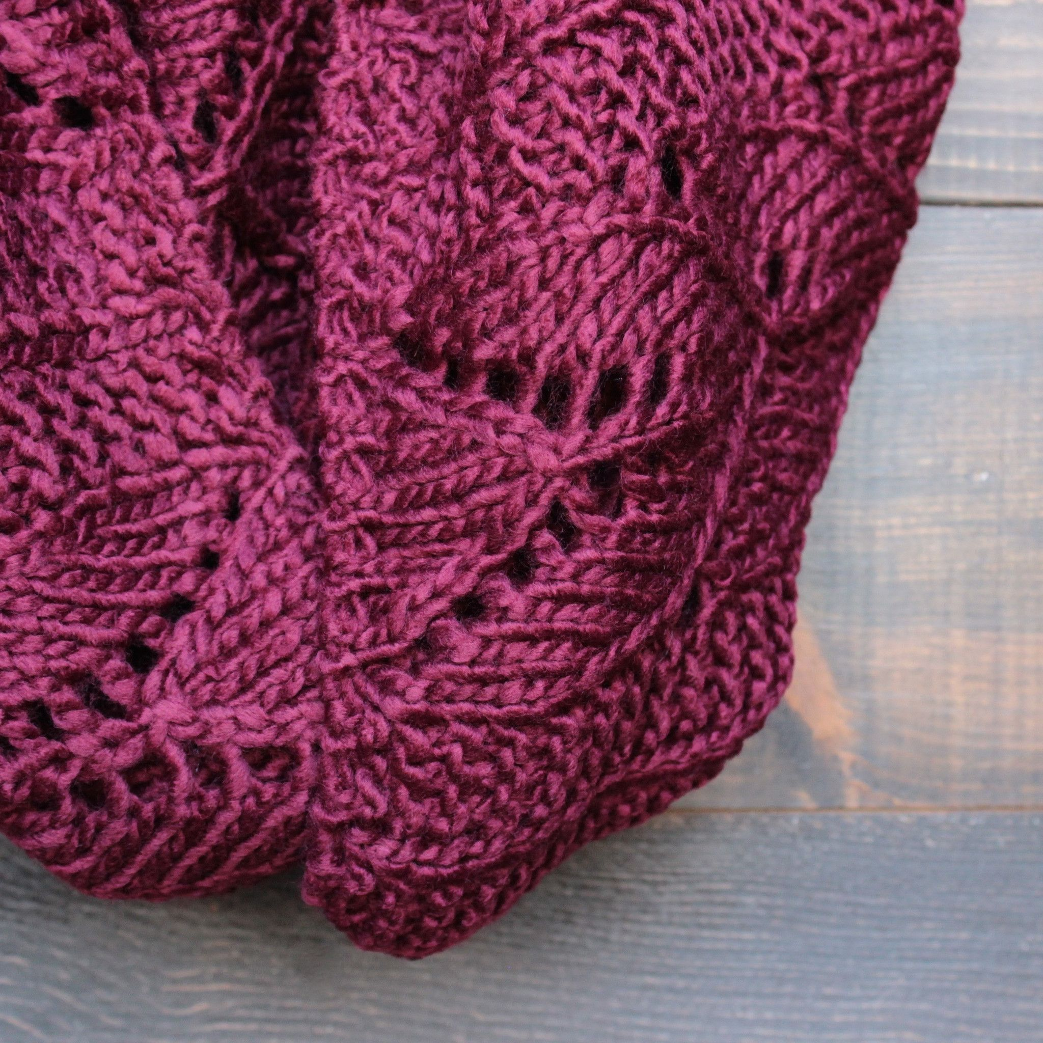 Knit leaf pattern infinity scarf (more colors)   Infinity, Scarves ...
