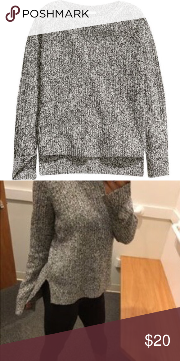 H & M Marbled Sweater EUC! H&M soft knitted marbled sweater. Rub-knit, slits in sides and cuff. Slighter longer in the back. Crew beck. Materials: 90% acrylic and 10% wool. No defects. H&M Sweaters Crew & Scoop Necks