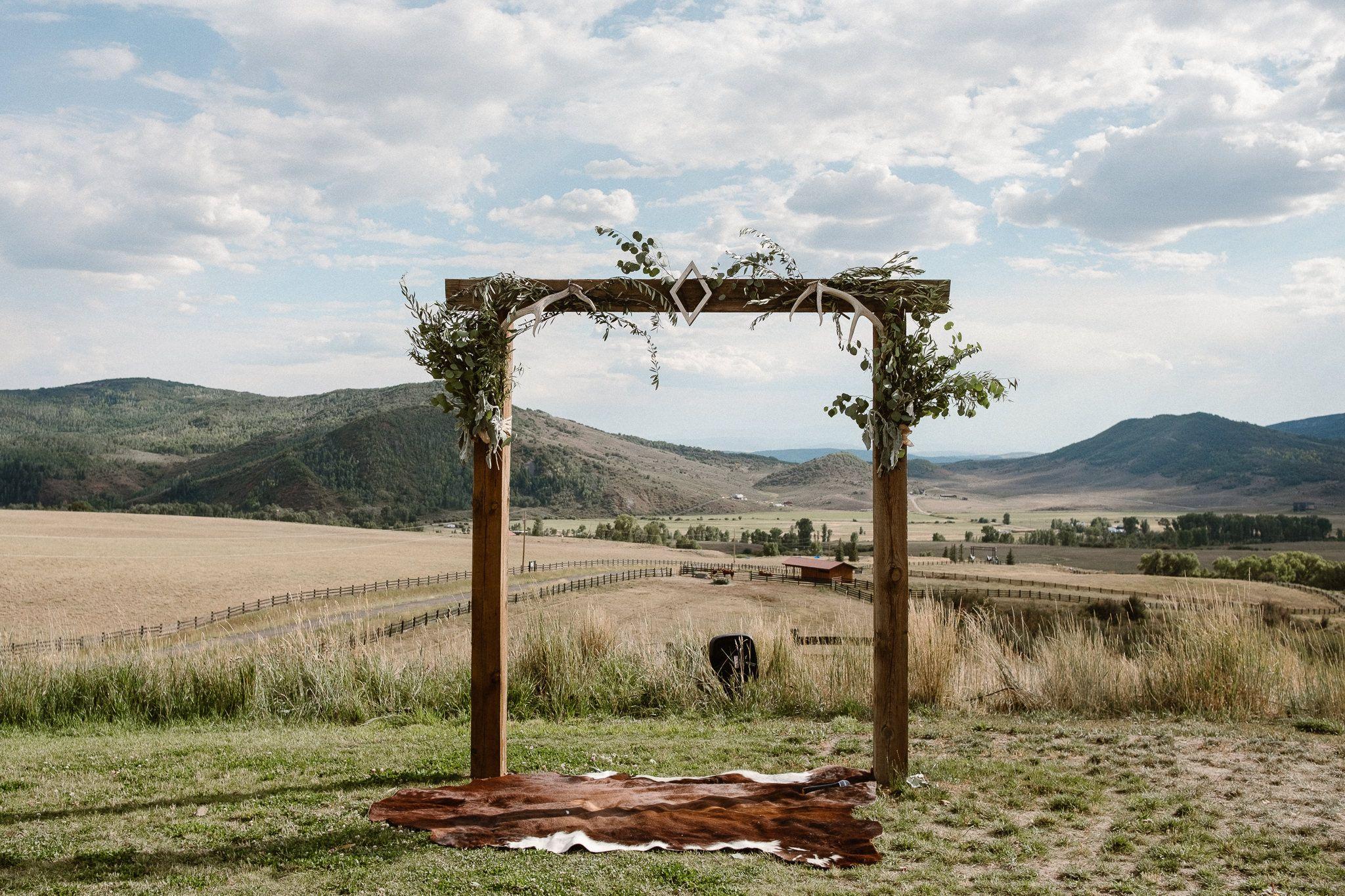 La Joya Dulce Wedding In Steamboat Springs Colorado Ranch Wedding Venue Colorado Wedding Venues Field Wedding