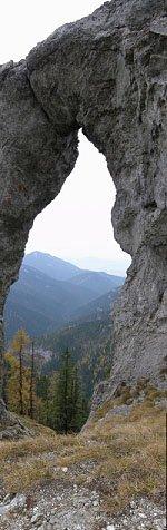 Skalní okno na Ohništi