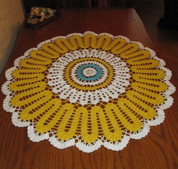 Yellow crochet doily 24 inches Lace doily di DoliaGalinaCrochet
