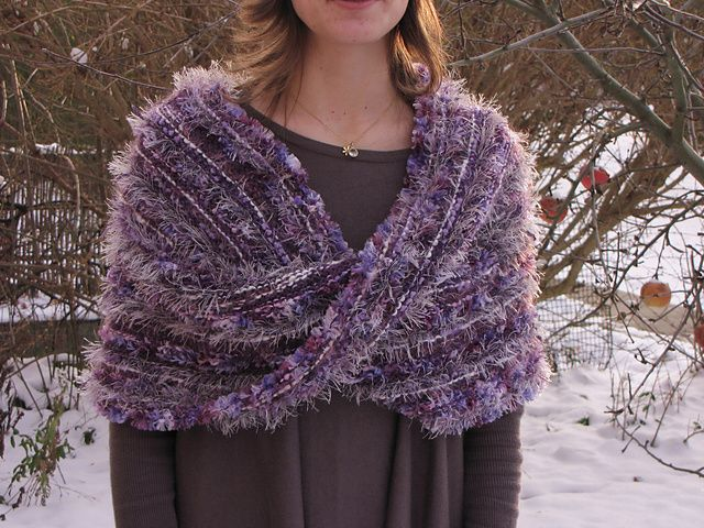 Ravelry: Project Gallery for Möbius-Wrap pattern by Claudia Höll ...
