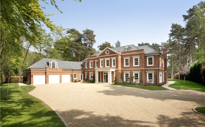 Edenwood Horsegate Ride Ascot Berkshire Sl5 6 000 000 Clinker Brick House Architecture House Facade House