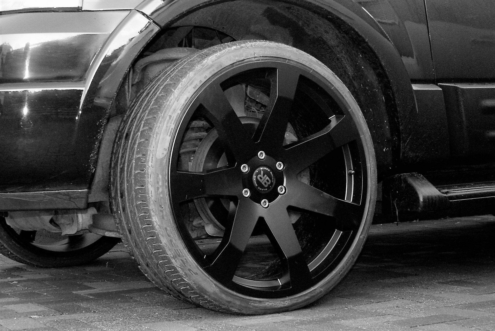 Ford Expedition On 24 Inch Black Rihno Wheels Mozambique Et 35 6x135 Ford Expedition Ford Expedition