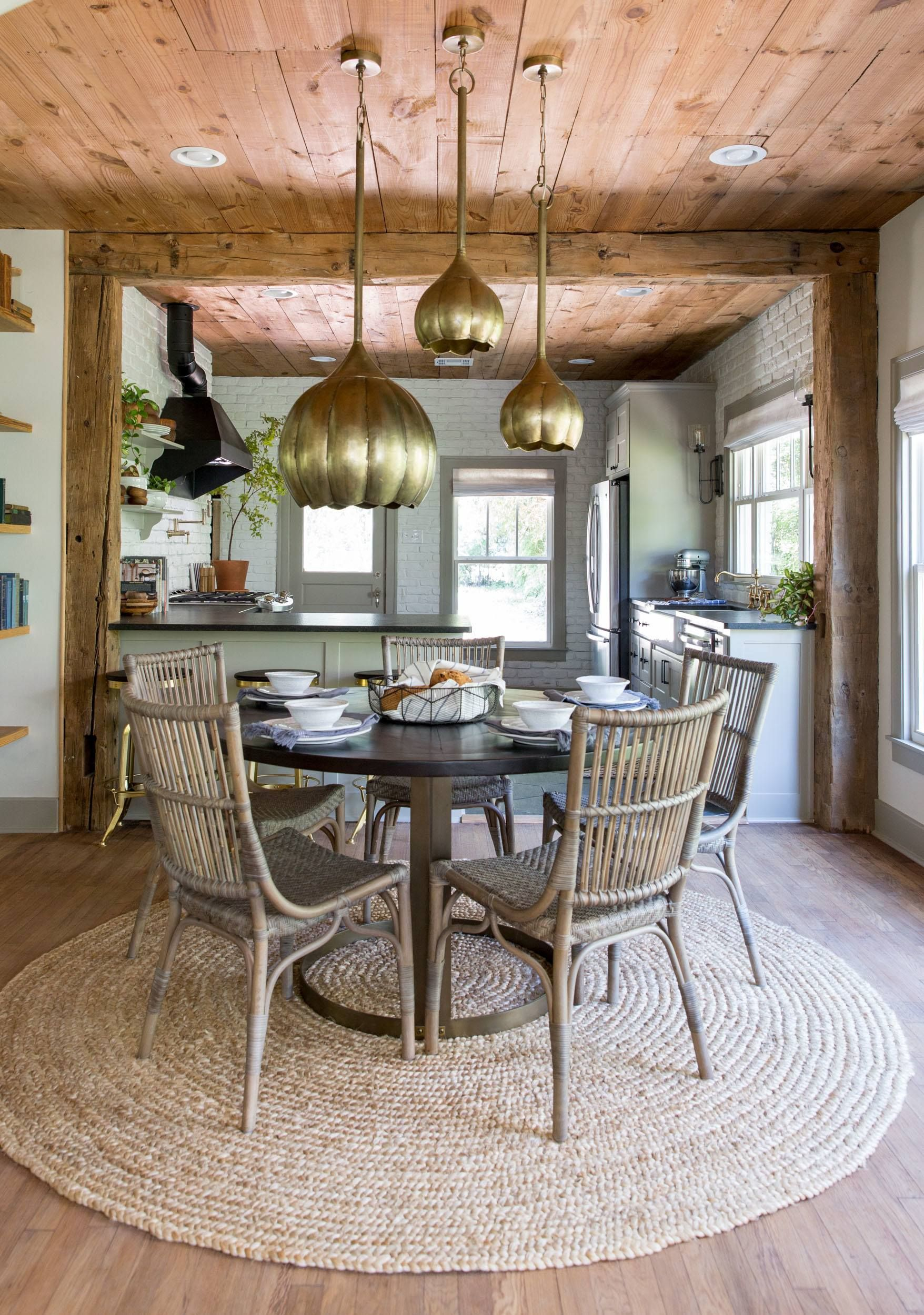 Fixer Upper Season 4 Chip And Joanna Gaines Episode 15 The Giraffe House Dining Shiplap