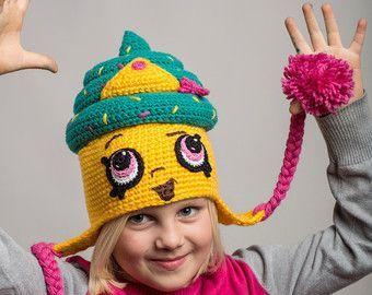 Shopkins Crochet PATTERN: Cupcake Queen Hat by LunameraCrochet #queenshats Shopkins Crochet PATTERN: Cupcake Queen Hat by LunameraCrochet #queenshats