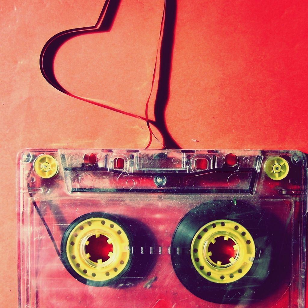 Love cassette iPad Wallpapers Ipad wallpaper, Wallpaper