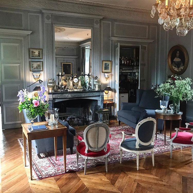 Karon Karonfoxwell Photos Et Videos Instagram Classic Living Room Front Room Interior