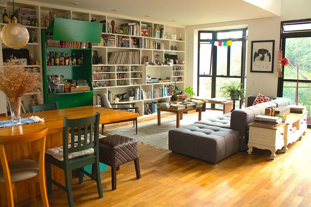 10 Airbnbs With The Home Libraries Of Your Dreams