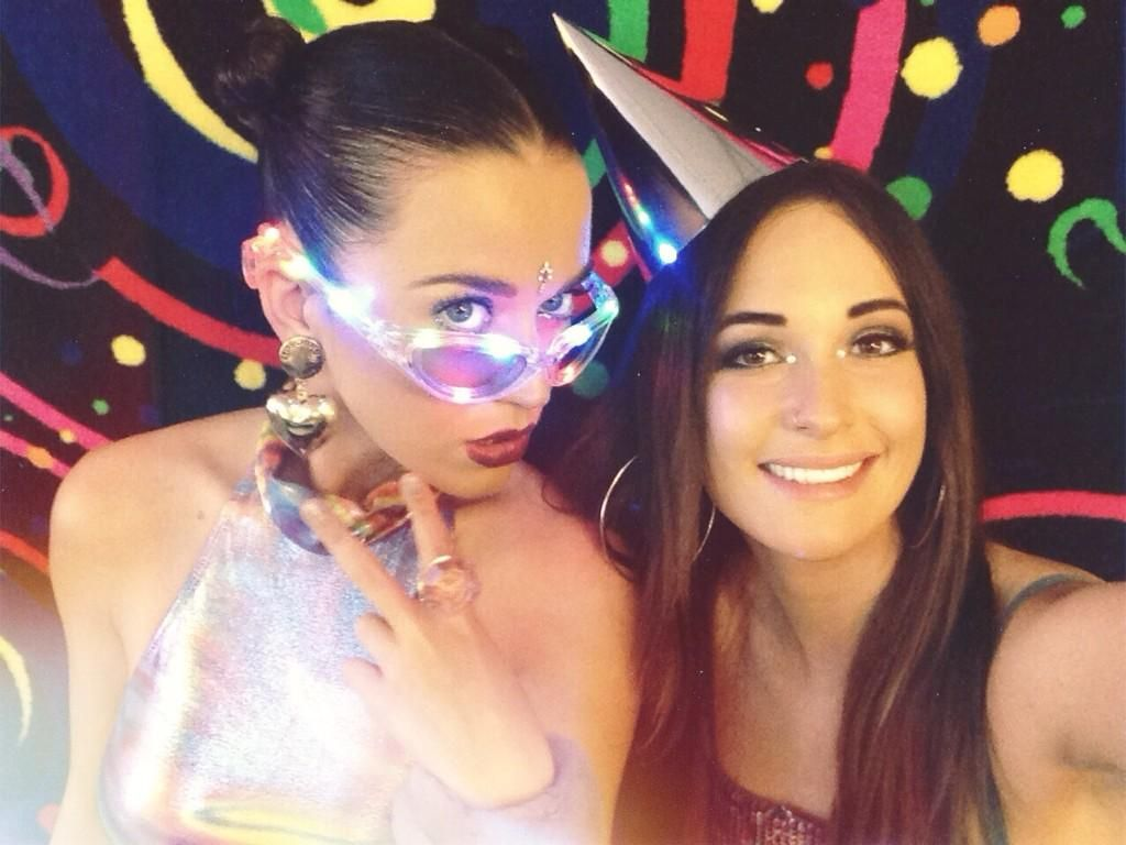 Katy Perry & Kacey Musgraves Holy FUCK!