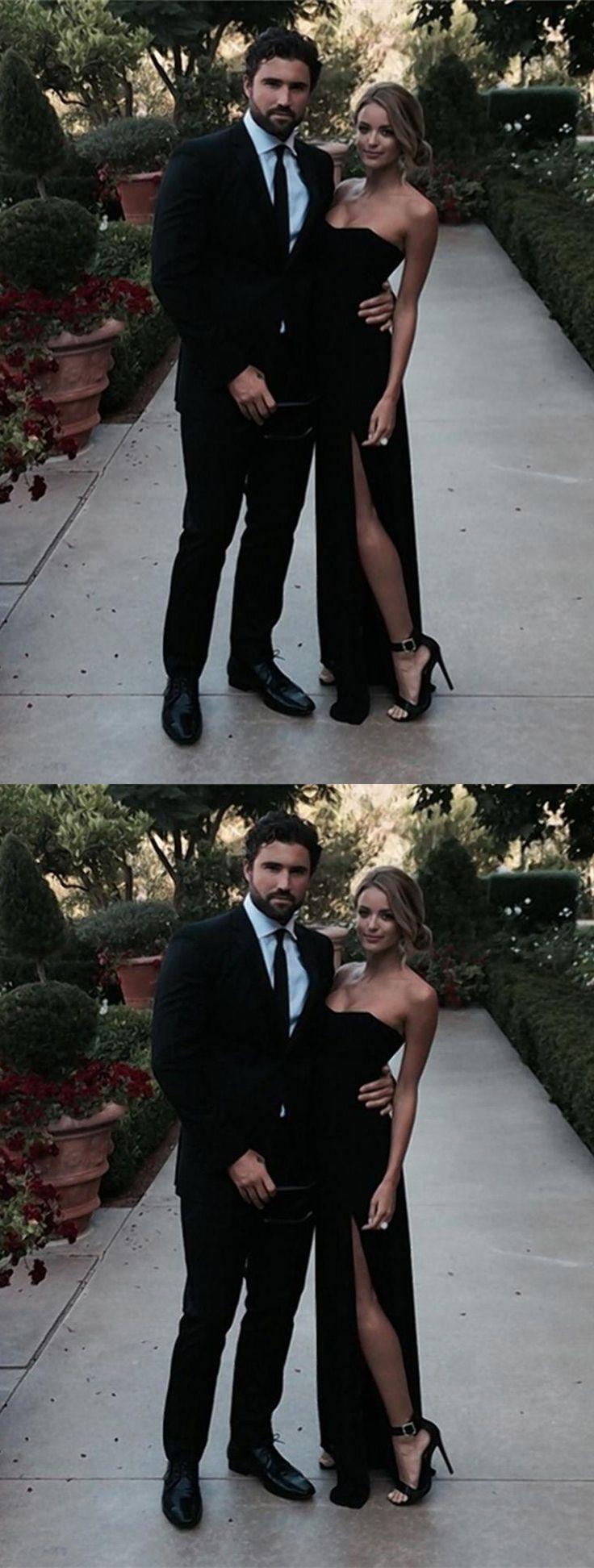 Sexy sweetheart sleeveless floorlength sideslit black prom dress
