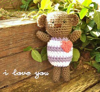 Little Love Bear - crochet free pattern