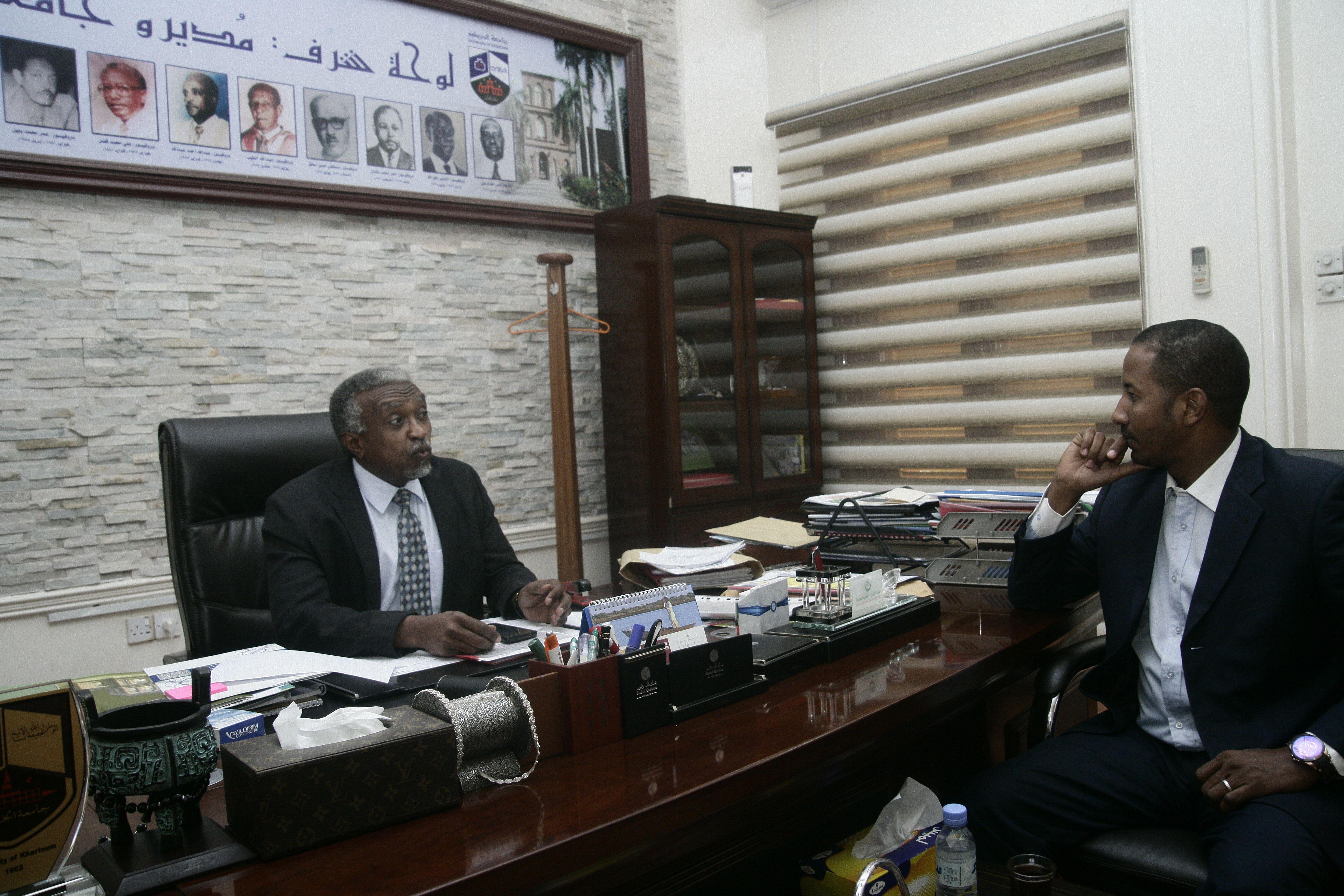 حوار مثير مع مدير جامعة الخرطوم