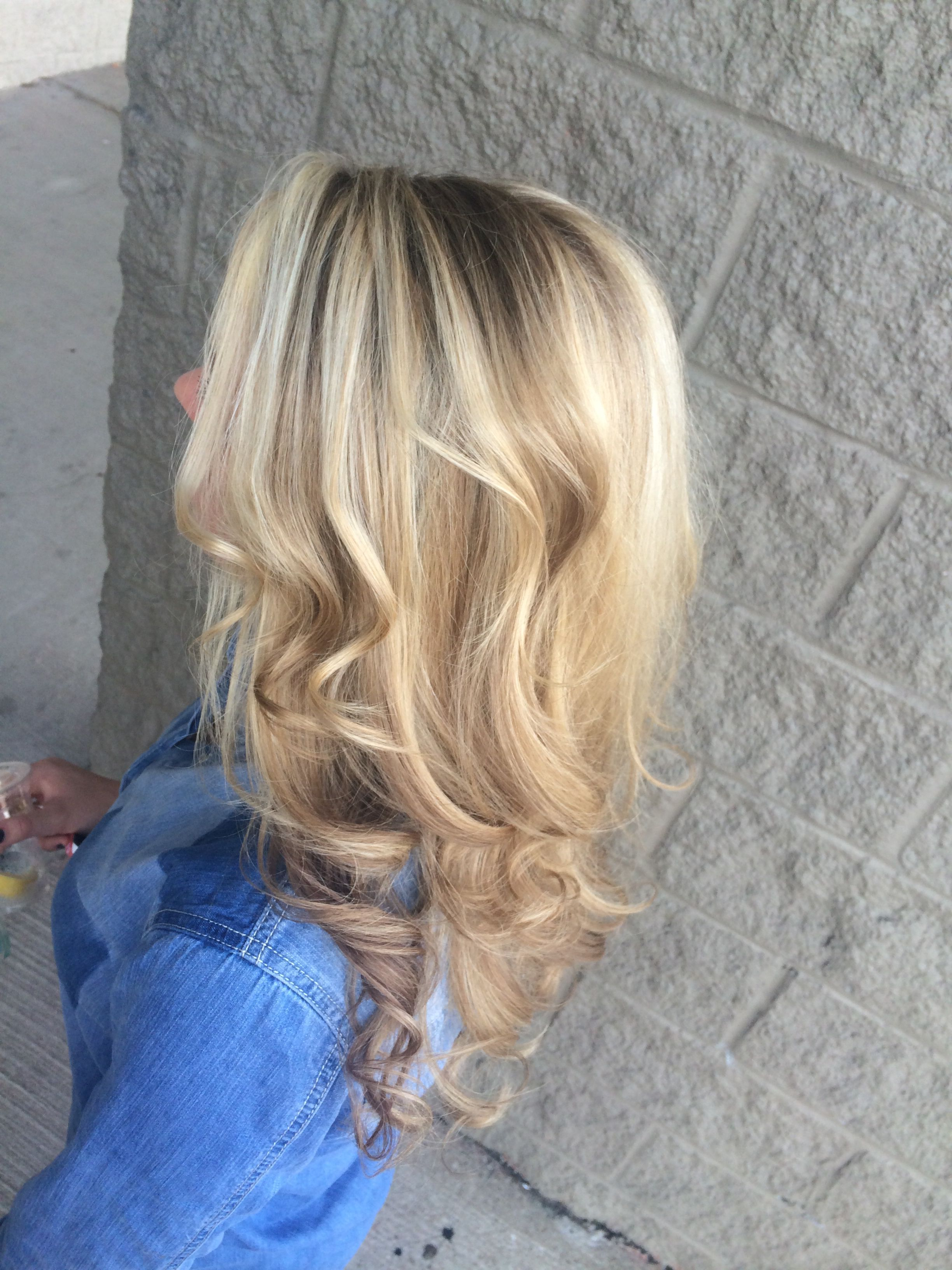 Winter blonde hair by Kayla www.ultraimagesalonandspa.com