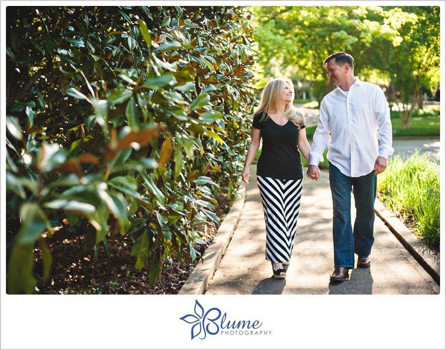 Lisa + Tom are engaged Botanical gardens, Engagement