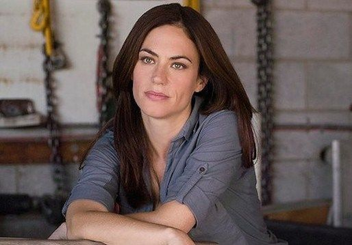 Sons Of Anarchy Alum Maggie Siff Joins Showtime S Billions Pilot Maggie Siff Sons Of Anarchy Maggie
