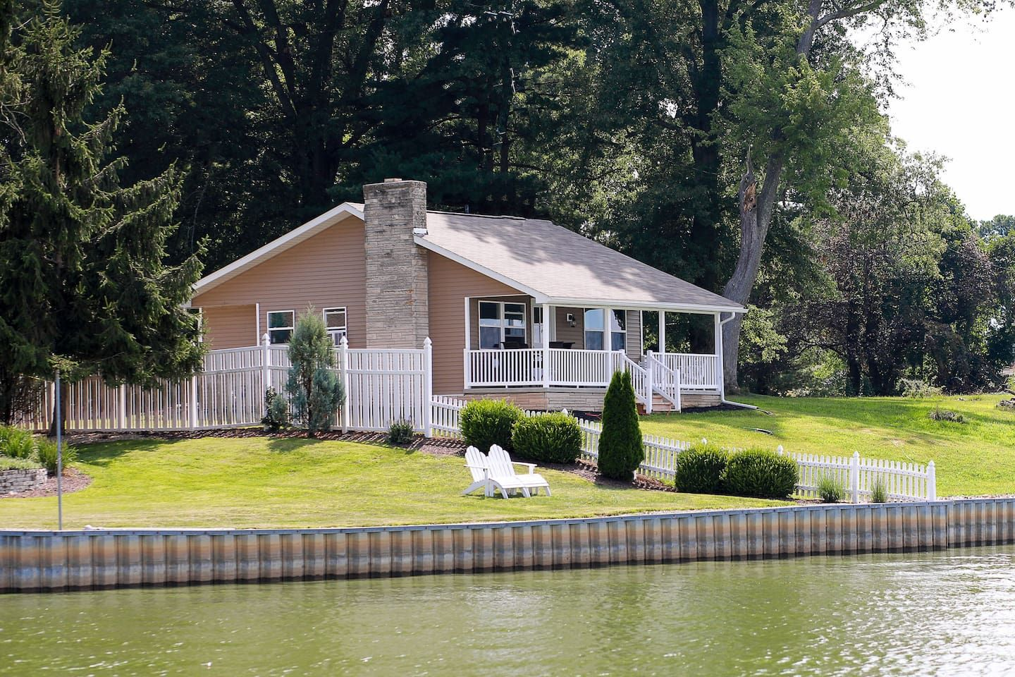 Little House On Buckeye Lake Cottages For Rent In Thornville Buckeye Lake Lake Cottage Ohio Vacations