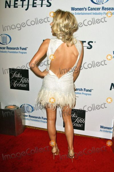 the back of julianne hough's sideswept romantic updo #juliannehoughstyle