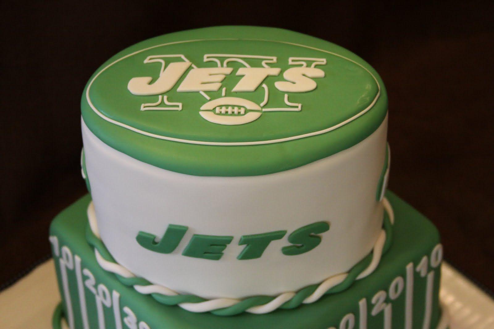 Strange Ny Jets Cake Jets Cake Football Birthday Cake Wedding Cakes Funny Birthday Cards Online Amentibdeldamsfinfo